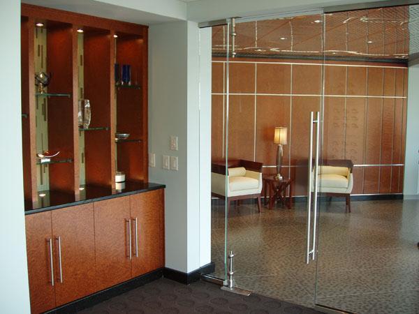 Bisagras para puertas de cristal construm tica for Bisagras para mamparas de vidrio