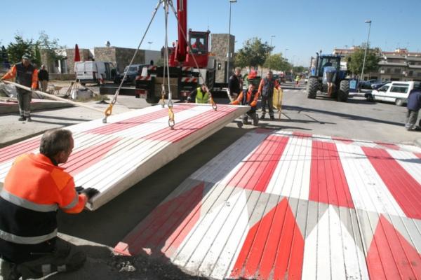 Paso elevado reductor de velocidad construm tica for Construccion de piletas paso a paso