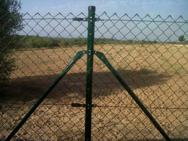 Cercado malla simple torsion construm tica for Vallas de plastico para jardin