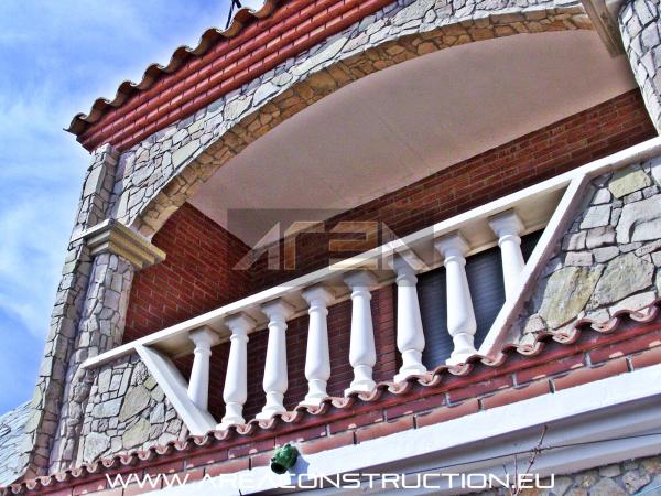 Construcci n casa r stica de piedra barcelona construm tica for Empresas de construccion en barcelona