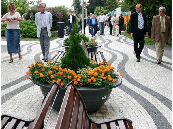Jardinera esf rica construm tica for Benito arredo urbano