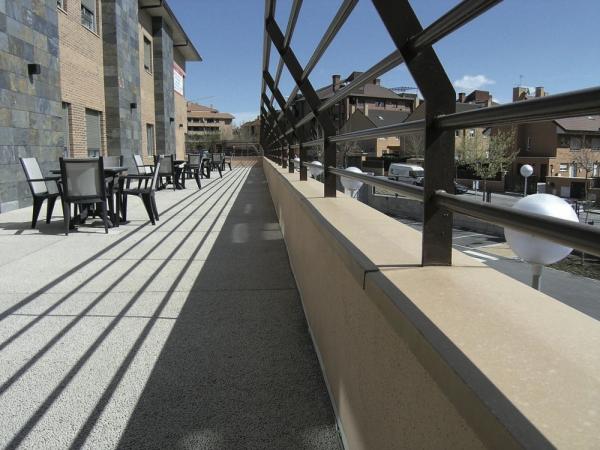 Albardillas construm tica for Estanques artificiales o prefabricados