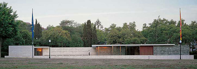 Fundacio Mies van der Rohe.jpg
